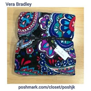 NWT Vera Bradley Plush Throw Blanket Paisley